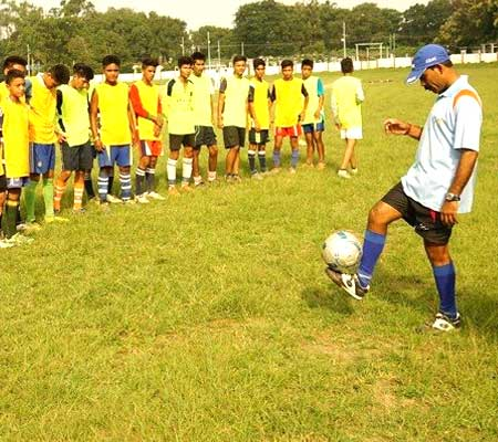 raghunath dey football coach dehradun football academy